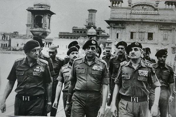 [Editorial] Declassification of War Histories